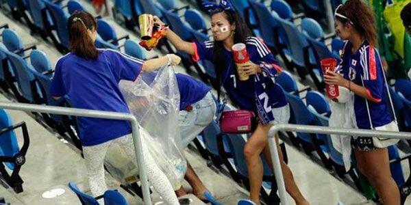 Japoneses e alemães limpam