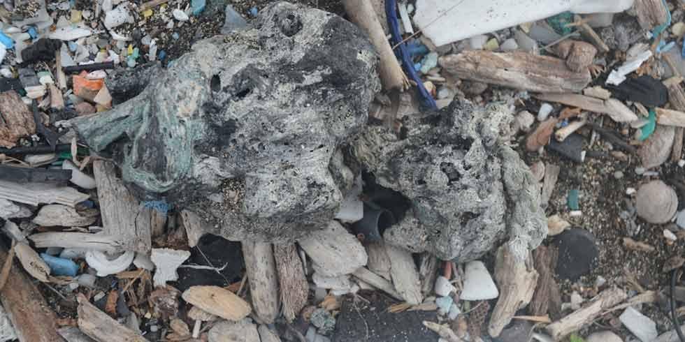Plástico: é tanto que acaba por virar rocha na Terra