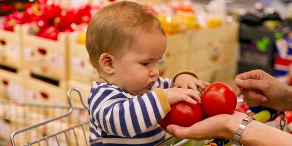 Frutas no lugar de guloseimas nos caixas de supermercados