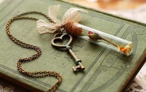 pingente com chave