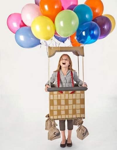 Fantasia de papelão: balão