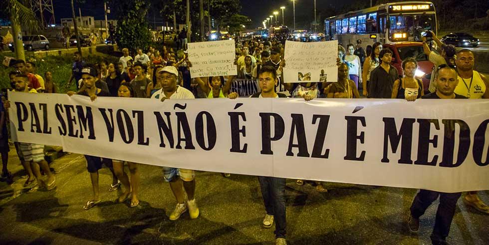 RJ: Complexo da Maré protesta contra violência do Estado