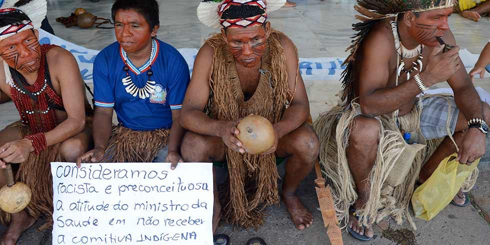 Índios protestam por melhorias na saúde