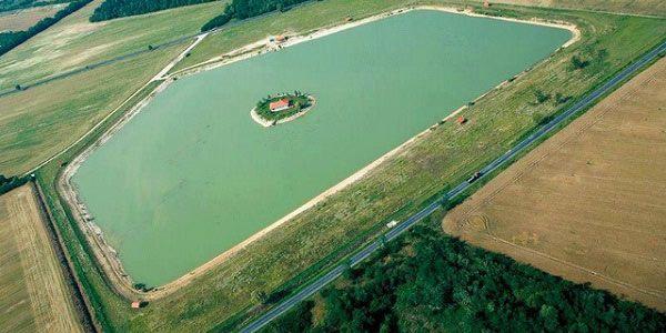 casa-ilha à venda na Hungria
