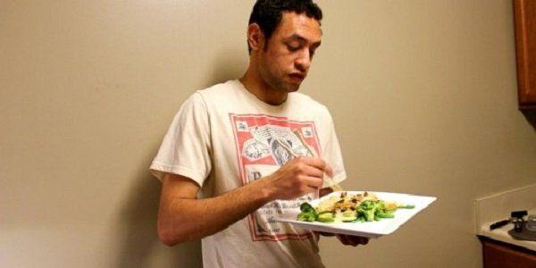 estudante comeu insetos por um mês