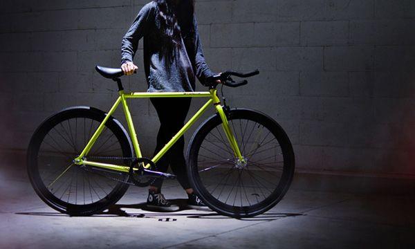 Ciclista com sua Glow