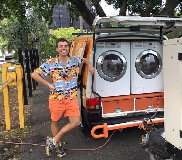 Um dos idealizadores da van-lavanderia