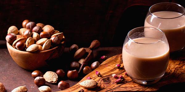 chocolatada-com-leite-de-amêndoas