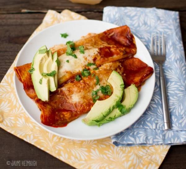 enchiladas de feijão com pimentas verdes