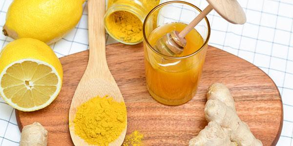 Limonada com Cúrcuma