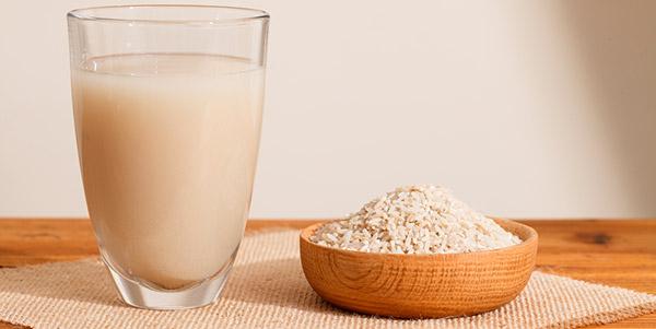 agua arroz copo