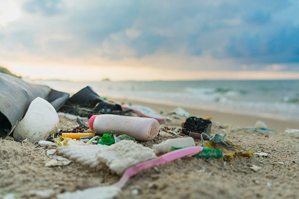 plastico praia