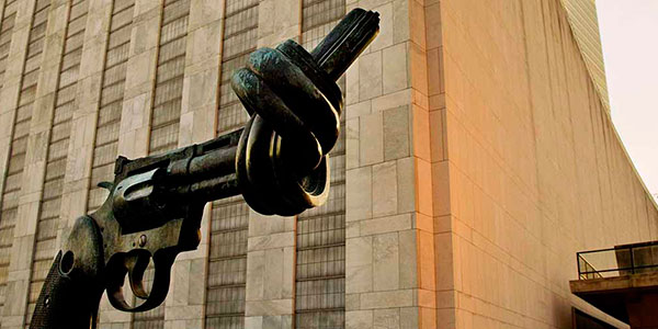 nao violencia escultura