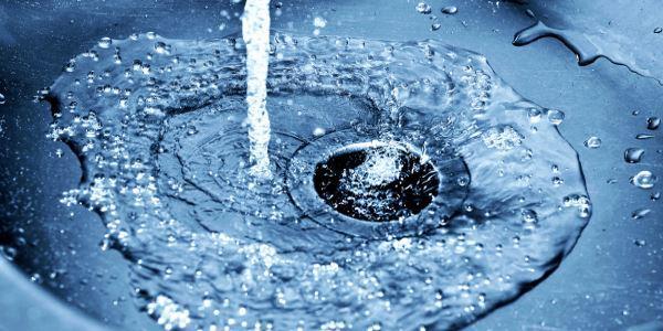 desperdício de água causas consequências