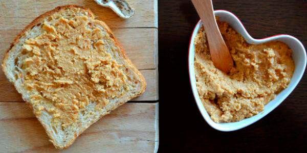 manteiga amendoim pao