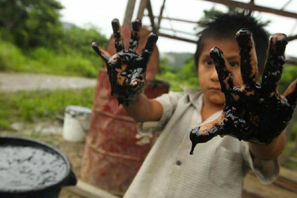 Derramamento de petróleo no Perú