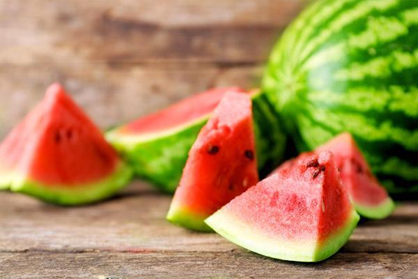 comer melancia