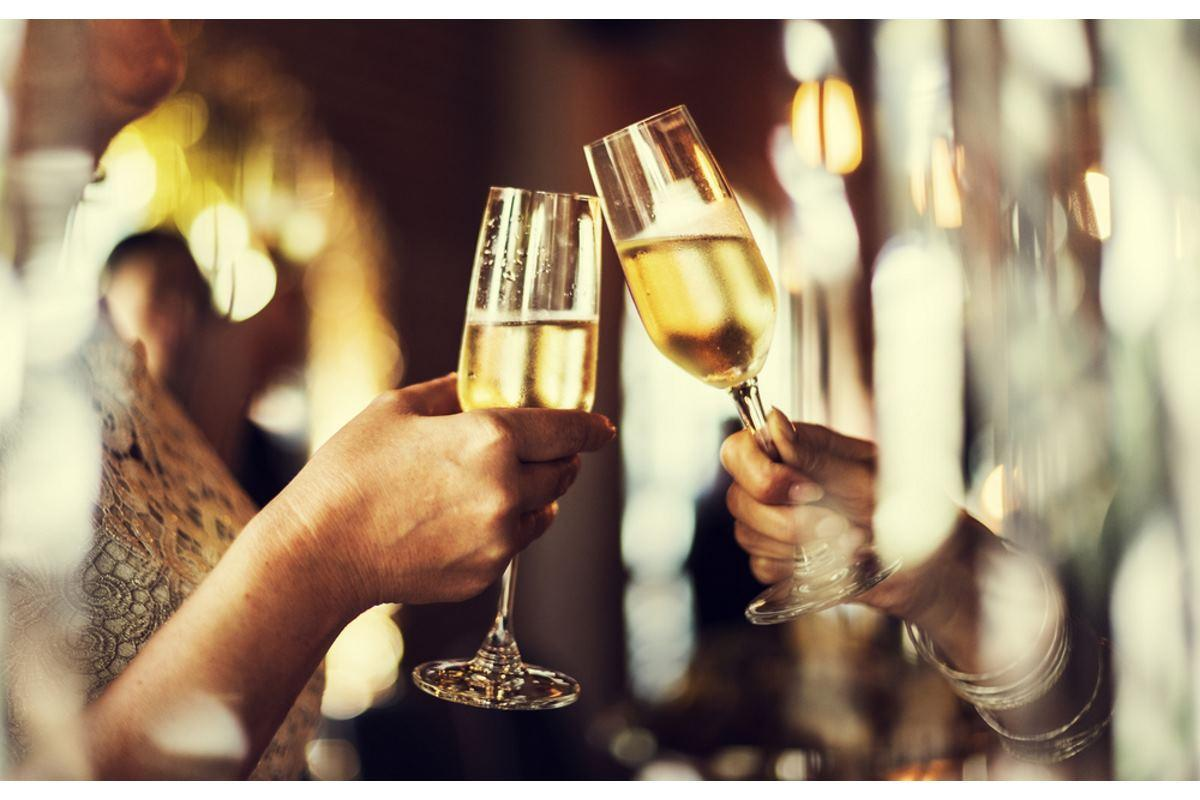 beber champanhe
