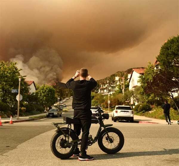 Los Angeles, Califórnia/@guardian